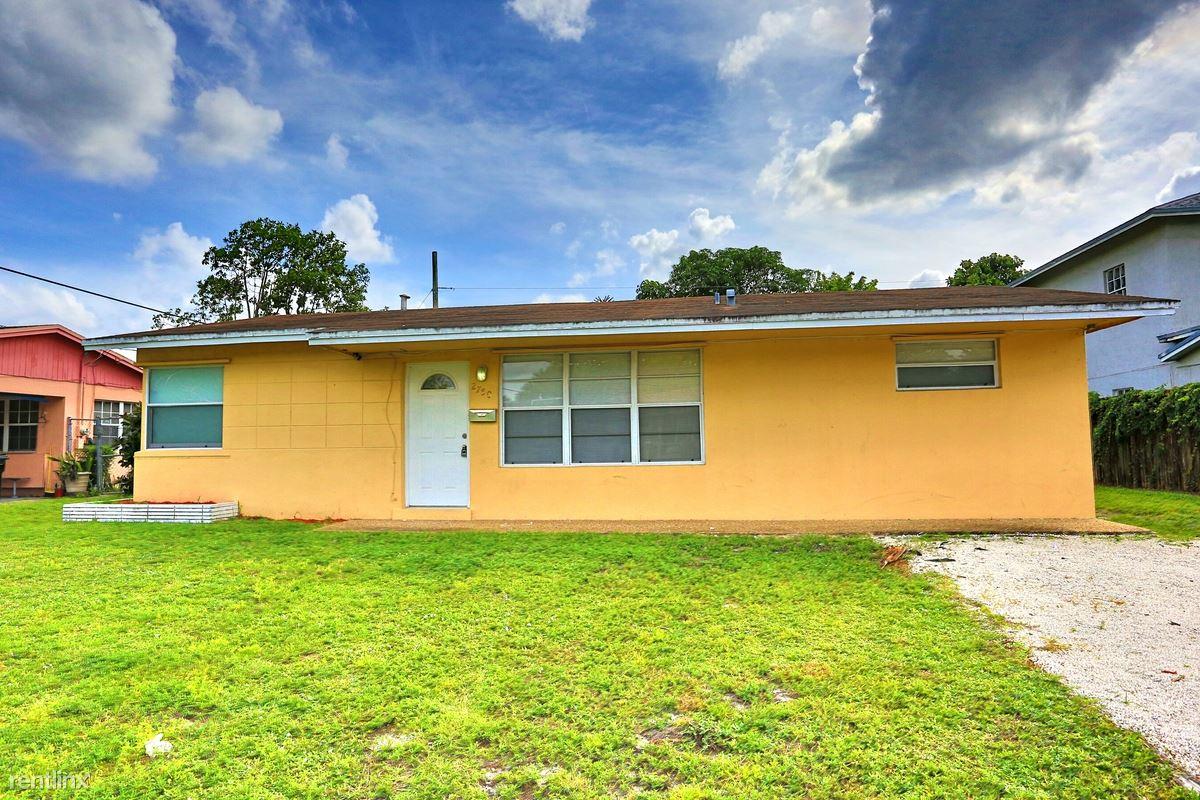 2750 SW 2nd Court, Fort Lauderdale, FL - $0 USD/ month