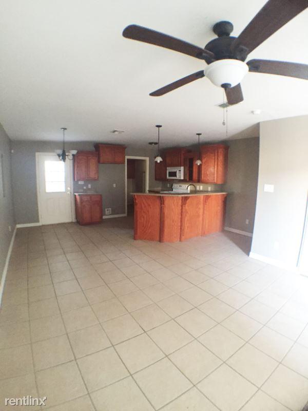 1202 W Kiwi Ave, Pharr, TX - $880 USD/ month