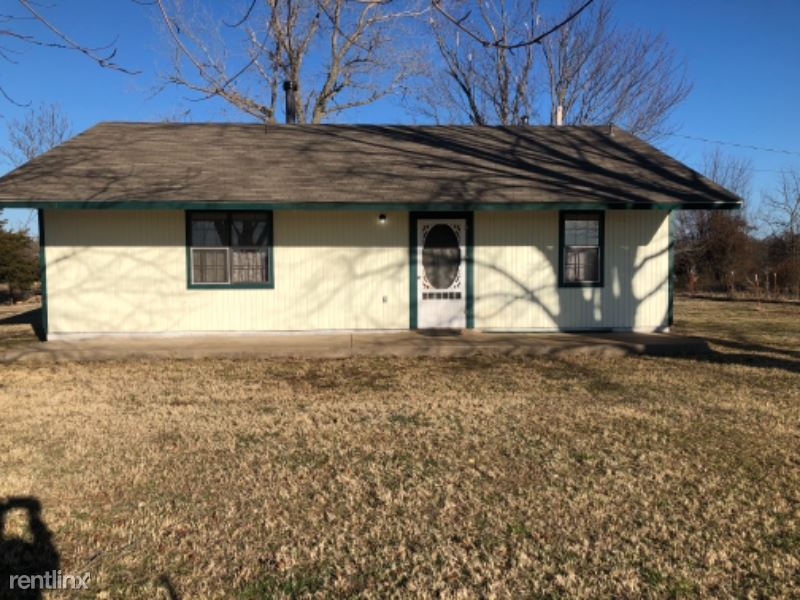 9747 Glover Lane, Noble, OK - $1,600 USD/ month