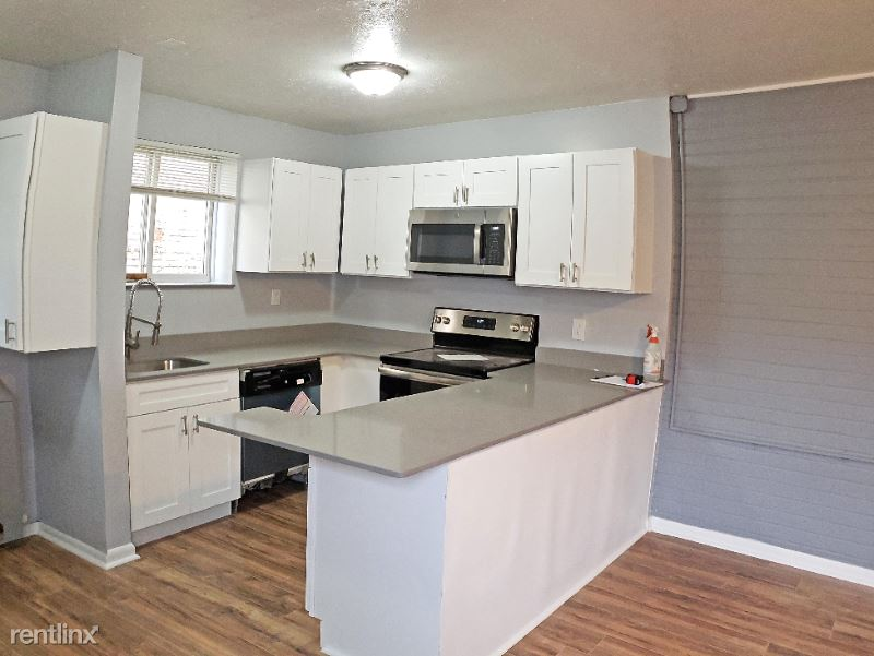 15010 Madison Ave. 106, Lakewood, OH - $892 USD/ month