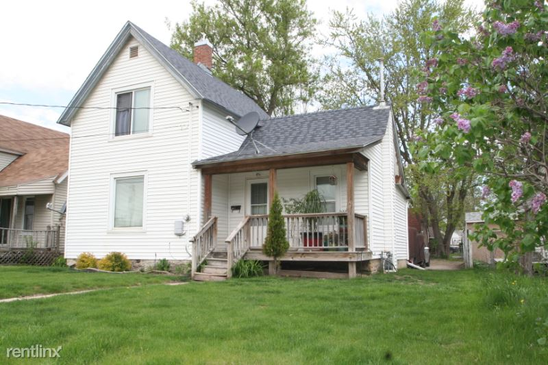 707 4th St SE, Rochester, MN - $995 USD/ month