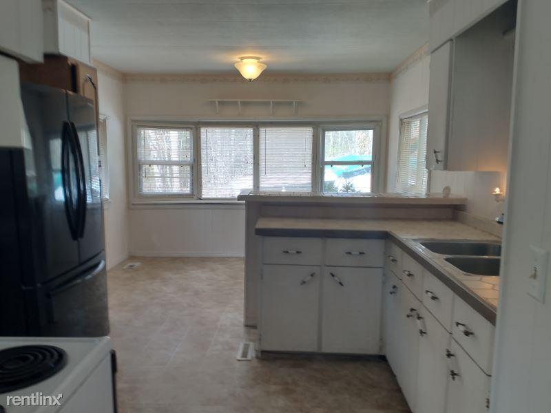 Blackhill Road, Plainfield, CT - $1,600 USD/ month