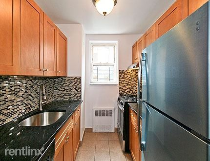 35th Ave / Parson Blvd 3, Flushing, NY - $1,976 USD/ month