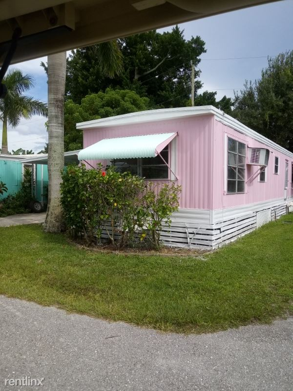 1064 N. Tamiami Tr. 16, North Fort Myers, FL - $1,250 USD/ month