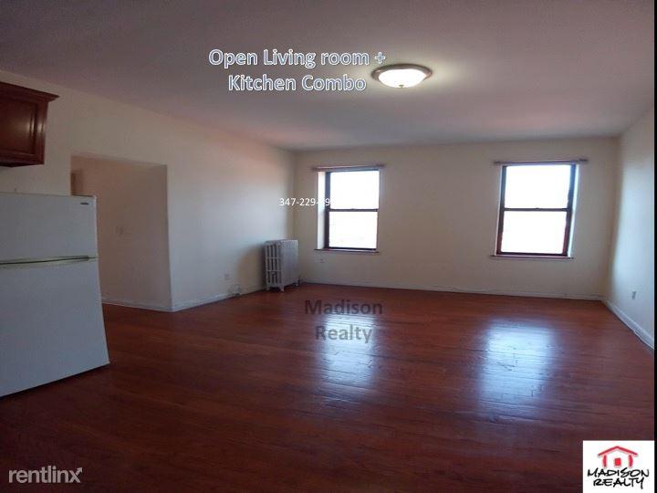 Metropolitan Ave, Richmond Hill, NY - $1,550 USD/ month