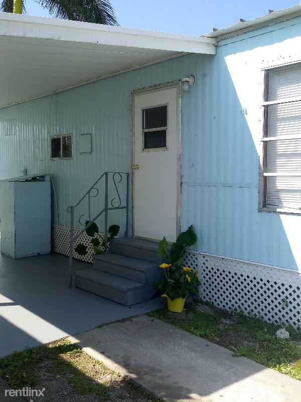 1064 N. Tamiami Trail 19, North Fort Myers, FL - $28,000 USD/ month