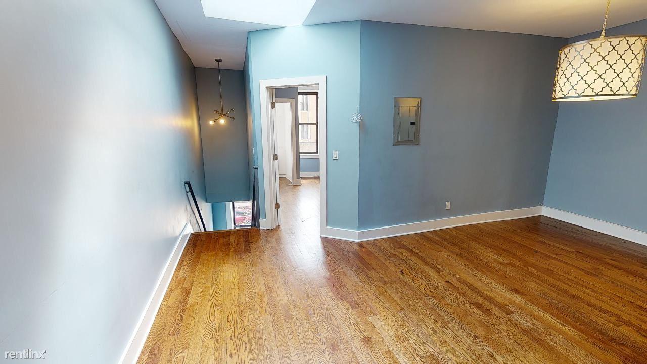 6817 Myrtle Ave, Glendale, NY - $2,500 USD/ month