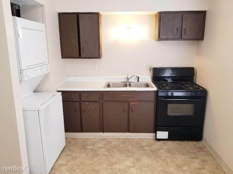 7021 Lakner Way, Orlando, FL - $700 USD/ month