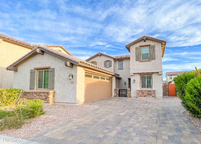 118 E Canyon Way, Chandler, AZ - $2,950 USD/ month