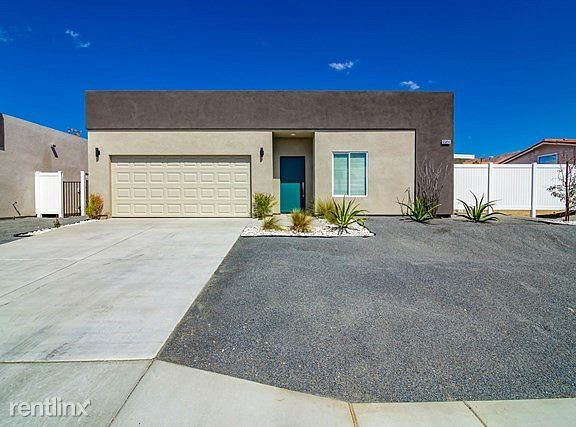 Custom Home DHS, Desert Hot Springs, CA - $2,100 USD/ month