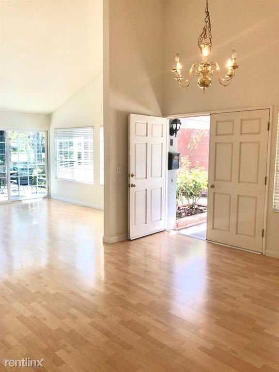 32118 Beachlake Ln, Westlake Village, CA - $4,300 USD/ month