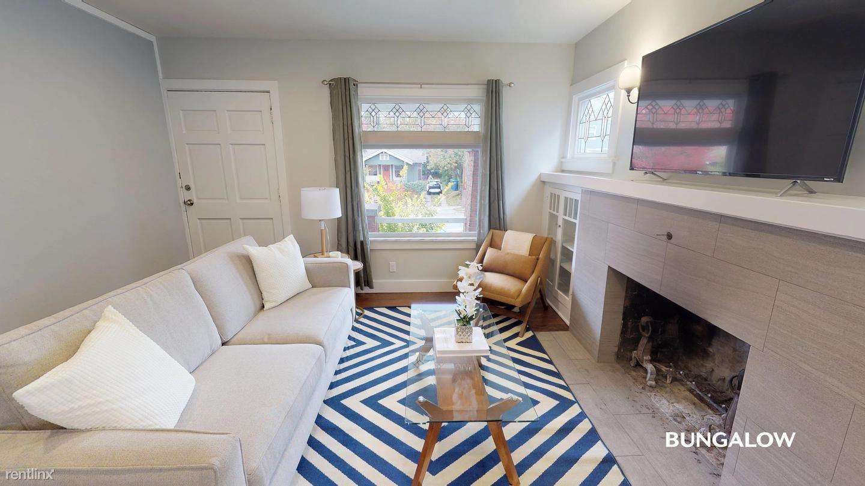 5649 11th Ave NE, Seattle, WA - 950 USD/ month