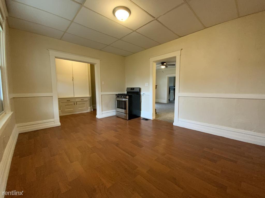 38 Walnut St 1st floor, Etna, PA - $850 USD/ month