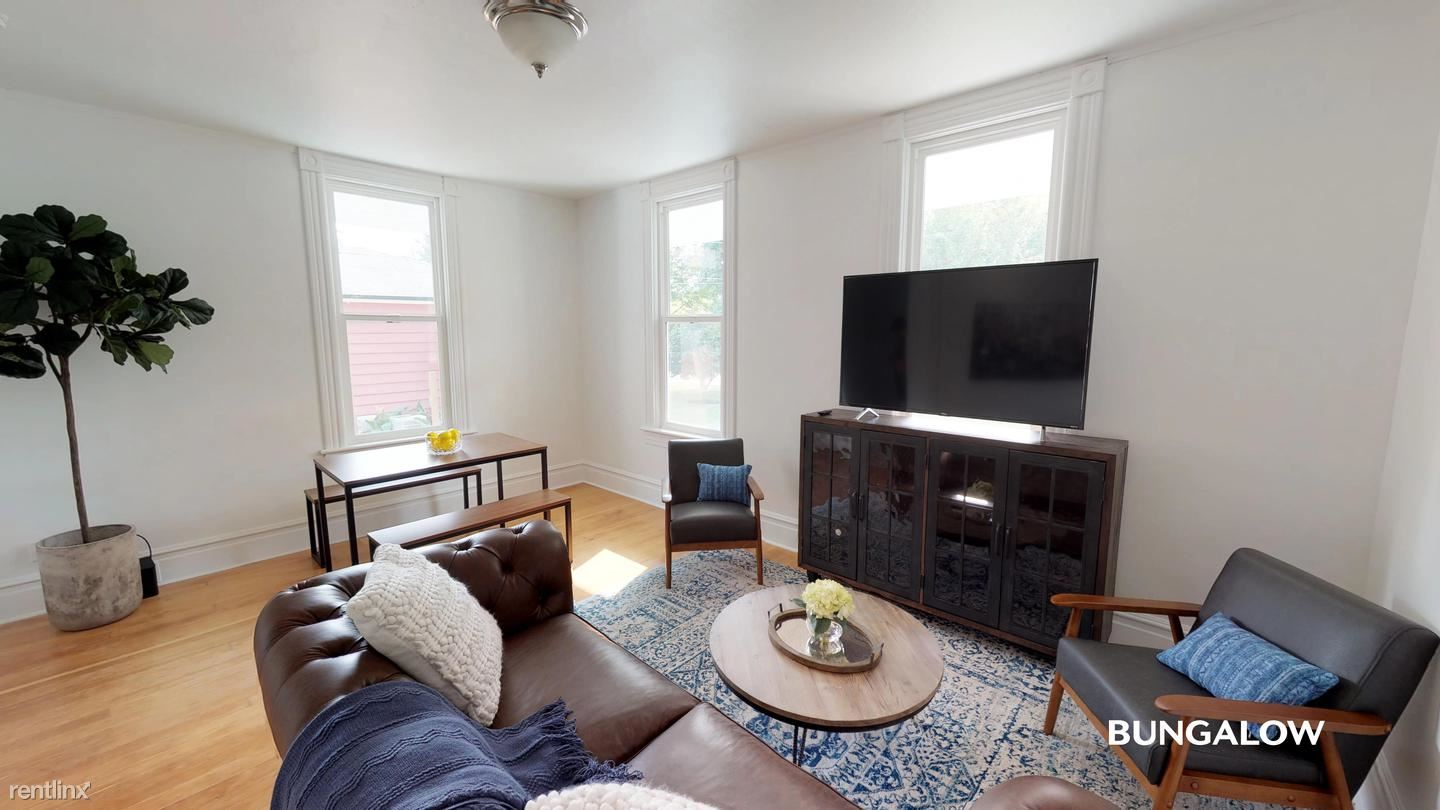 1730 SE 35th Place, Portland, OR - $750 USD/ month