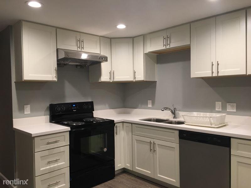 Burke Ave N, Shoreline, WA - $1,820 USD/ month