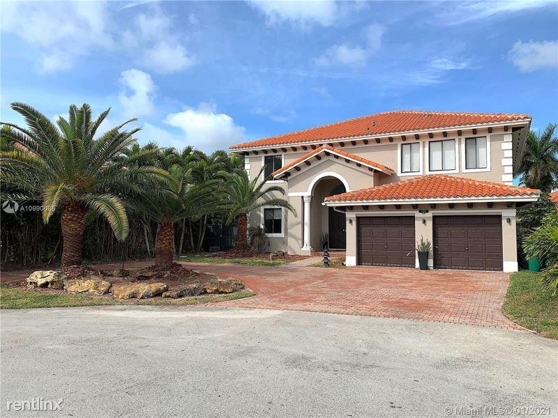 1533 Sw 109 St, Miami, FL - $8,500 USD/ month