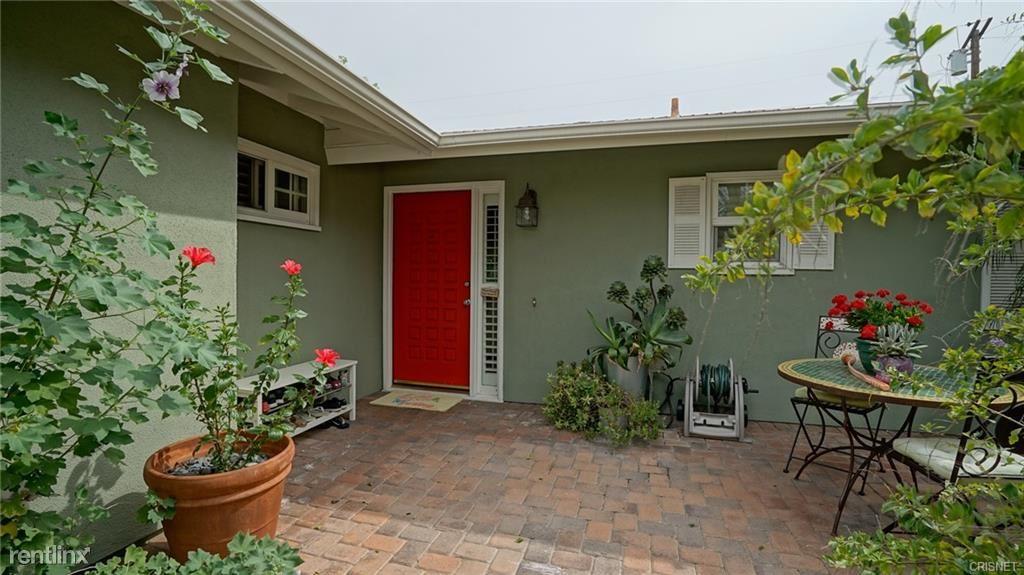 22536 Schoolcraft St, West Hills, CA - $4,000 USD/ month