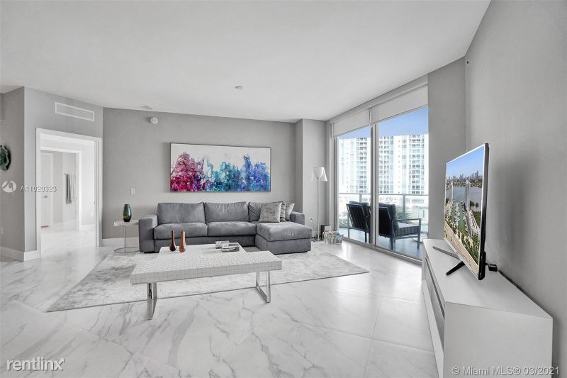 17111 biscayne blvd, North Miami Beach, FL - $5,400 USD/ month