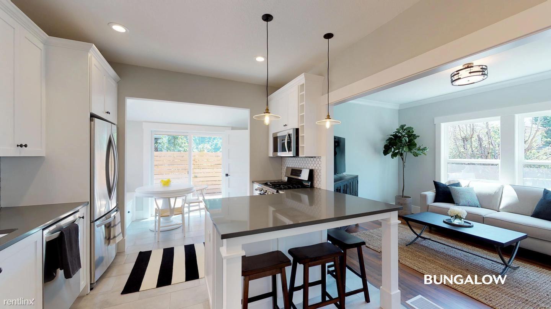 334 N Skidmore Street, Portland, OR - $680 USD/ month