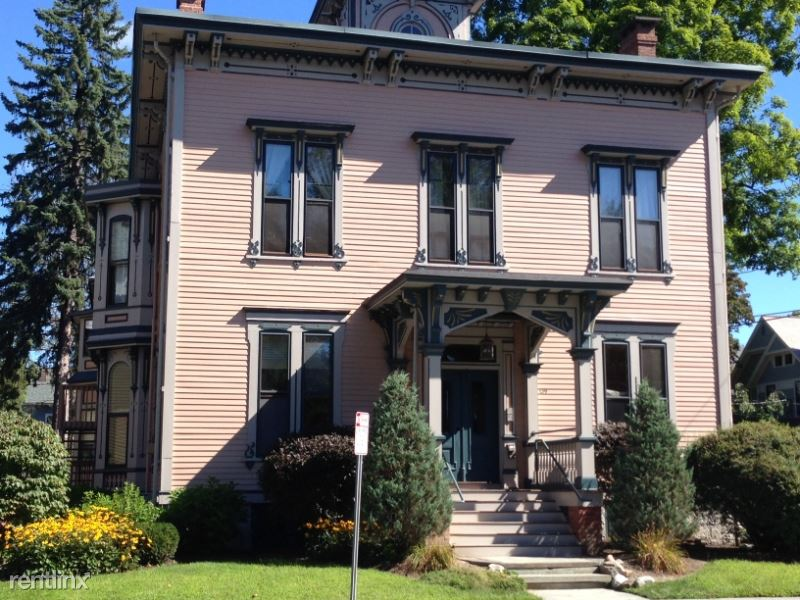 139 Phila Street 1, Saratoga Springs, NY - $1,995 USD/ month