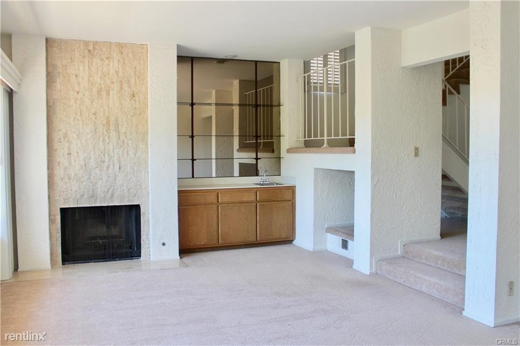109 Hilltop Cir, Rancho Palos Verdes, CA - $3,800 USD/ month