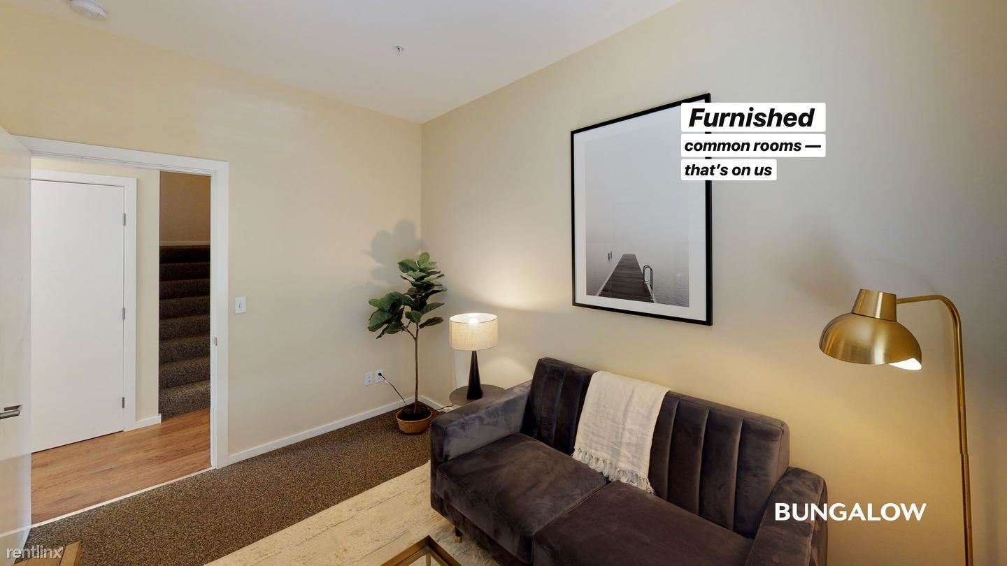 712 SW Broadway Dr, Portland, OR - $645 USD/ month