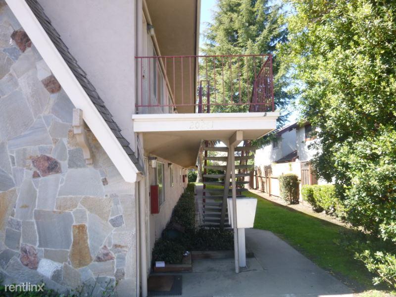 20261 Santa Maria 6, Castro Valley, CA - $2,000 USD/ month