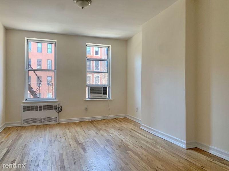 1588 York Ave 3C, New York, NY - 1,500 USD/ month