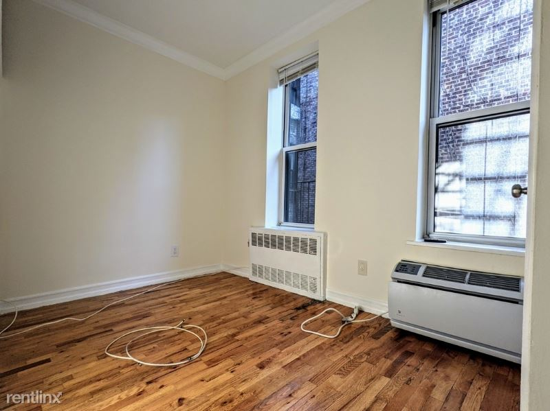 1588 York Ave 4B, New York, NY - $1,417 USD/ month
