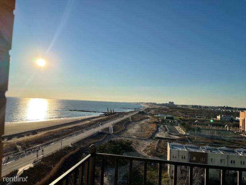 120 Beach 26th St. 8th, Far Rockaway, NY - $2,150 USD/ month