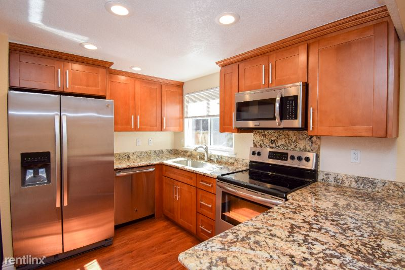 532 Tyrella Ave., Mountain View, CA - $3,300 USD/ month