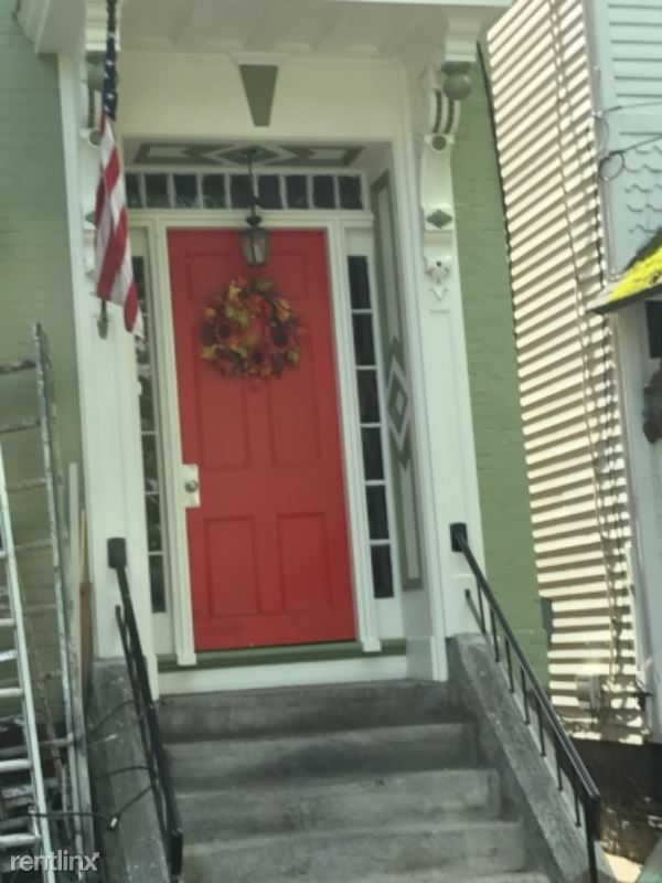 150 front street 2 rear, Schenectady, NY - $700 USD/ month