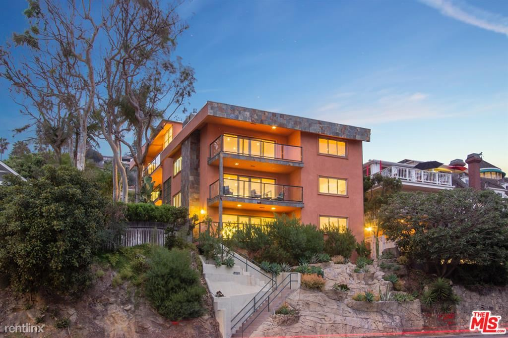 2442 S Coast Hwy Apt 1, Laguna Beach, CA - $4,795 USD/ month