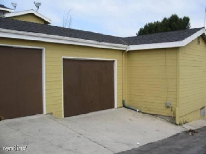416 Virginia St Garage Alley Access, El Segundo, CA - $1,082 USD/ month