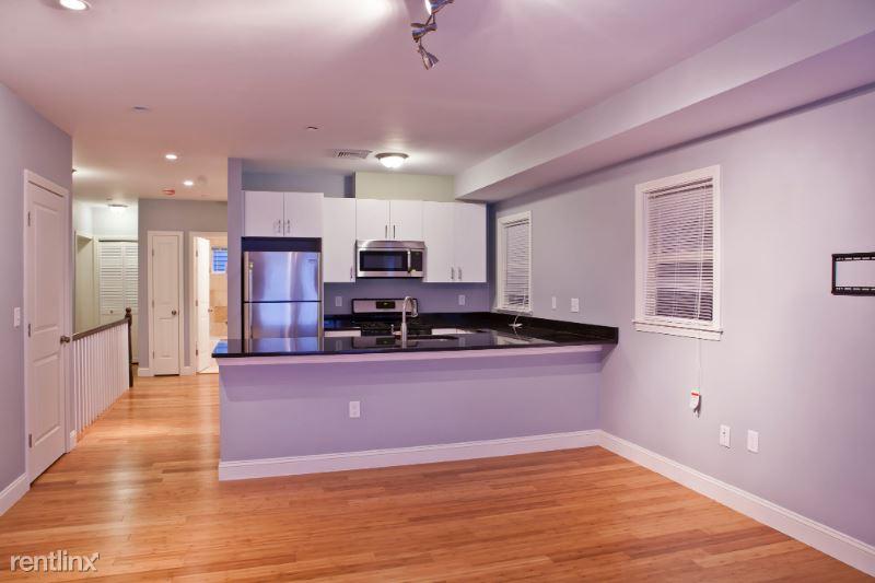 195 W Third 1, South Boston, MA - $3,950 USD/ month