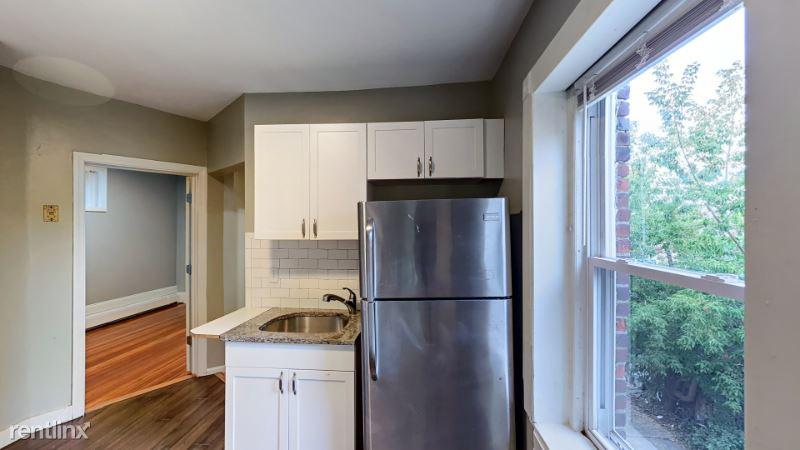 4 Weld Ave 3, Roxbury, MA - $2,450 USD/ month