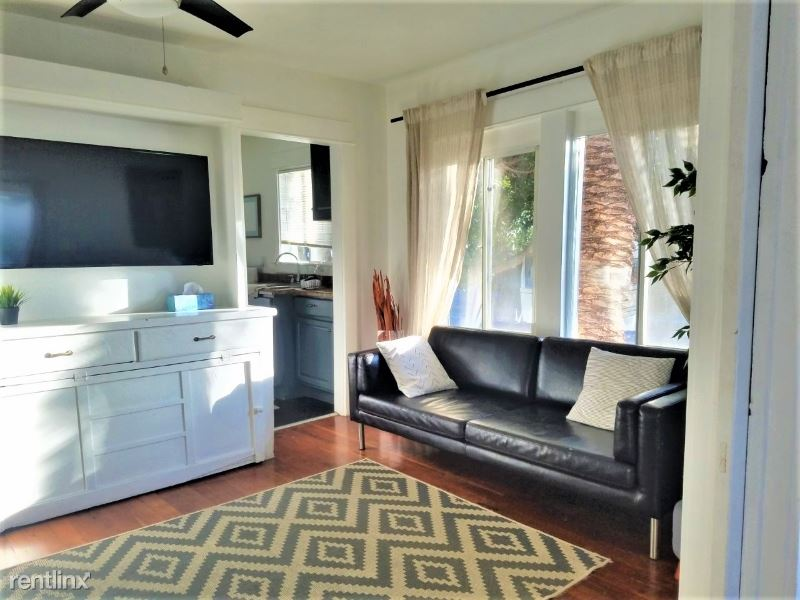 202 Horizon Apt 5, Venice, CA - $2,800 USD/ month