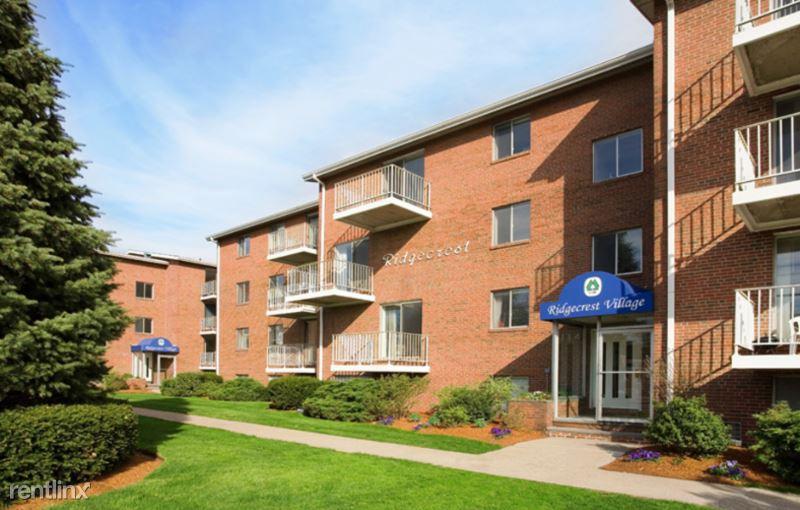 28  Ridgecrest Terrace 17, West Roxbury, MA - $2,150 USD/ month