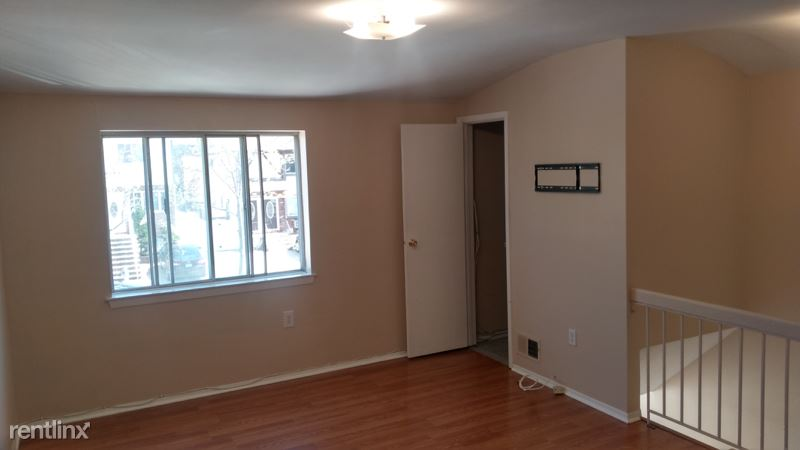 200 Cotter Ave, Staten Island NY, Staten Island, NY - $1,650 USD/ month