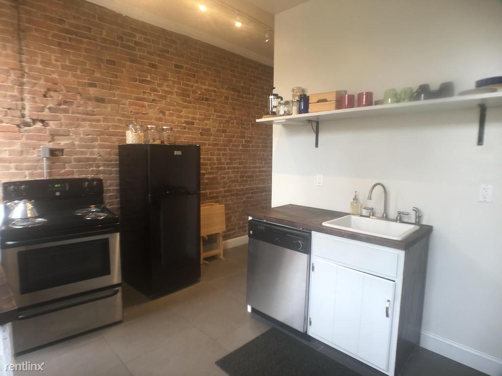 1439 Juniata St Unit B, Pittsburgh, PA - $895 USD/ month