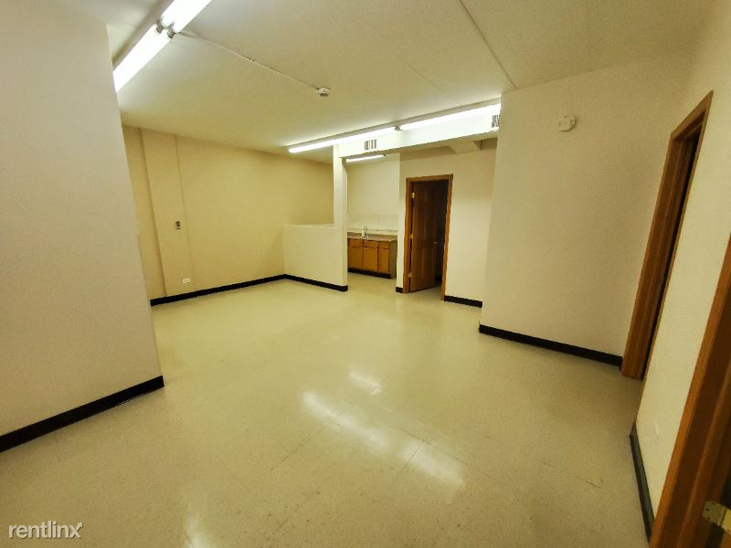 18154 Martin Ave Suite #1, Homewood, IL - $1,250 USD/ month