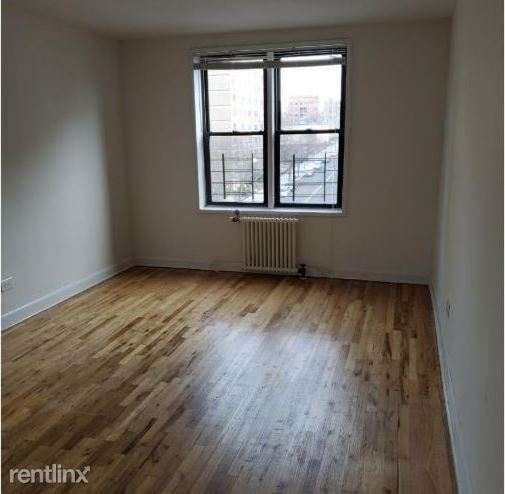 4515 Colden St 2, Flushing, NY - $2,562 USD/ month