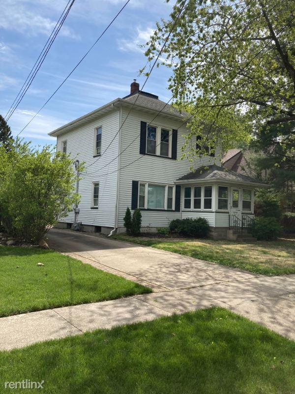 607 E Illinois Ave, Morris, IL - $1,300 USD/ month