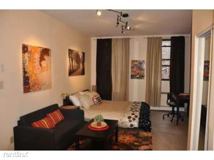 E 104th St, New York NY, New York, NY - $1,275 USD/ month