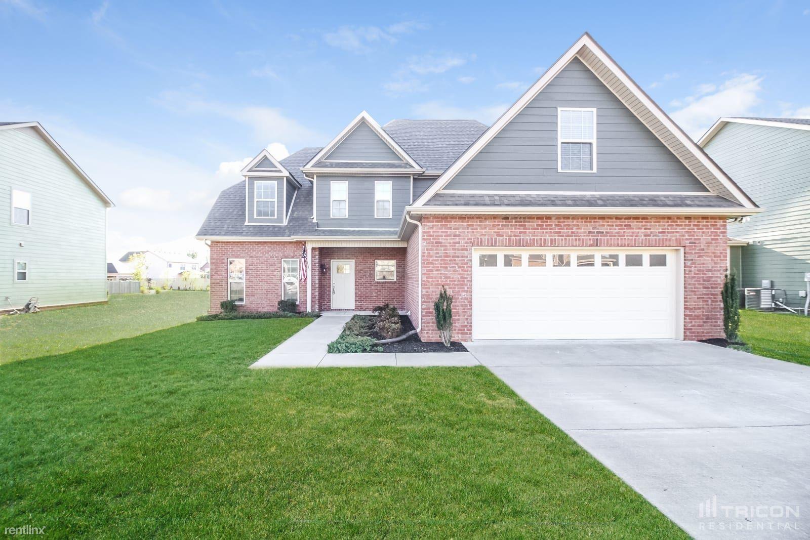 1518 Burrows Avenue, Murfreesboro, TN - $2,445 USD/ month