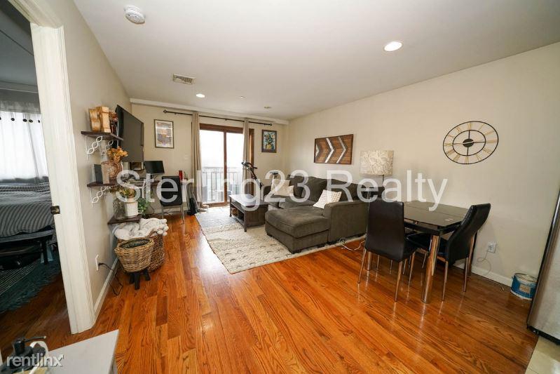 2707 23rd Ave, Astoria NY 3B, Astoria, NY - $2,200 USD/ month