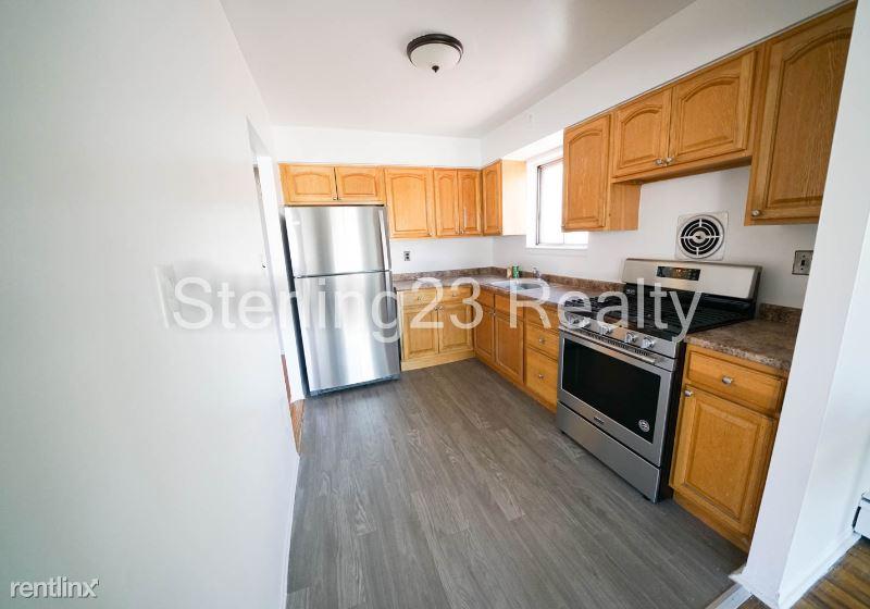 3610 24th Ave, Astoria NY 3, Astoria, NY - $2,600 USD/ month