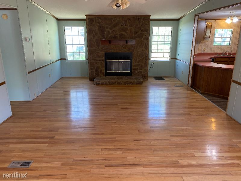 313 Youngs Chapel Rd, Corbin, KY - $800 USD/ month