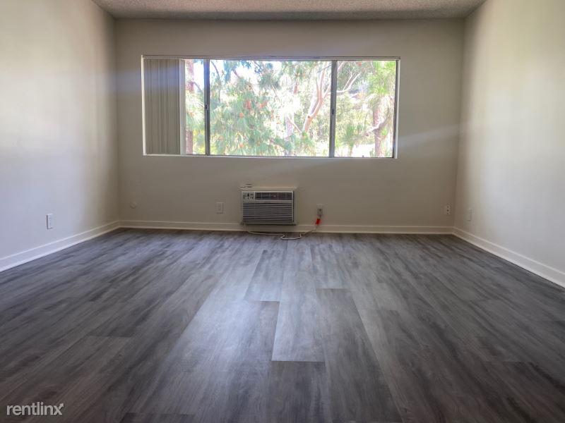 1784 N. Sycamore Avenue, Apt #201, Hollywood, CA - $1,700 USD/ month