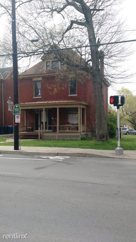 300 E Maxwell St #2, Lexington, KY - $1,000 USD/ month